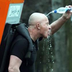 Благотворительный забег с холодильником за плечами